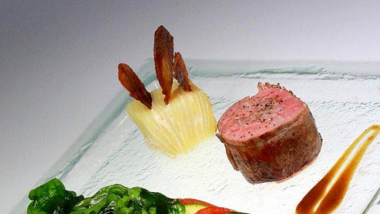 PLAT À L'ASSIETTEFilet de veau, tian à la provençale et millefeuille de pomme de terre